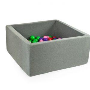 Suchy basen na piłki